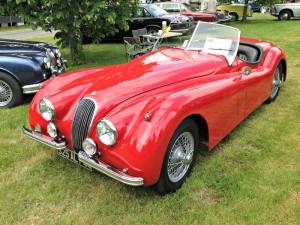 Voitures anciennes - Jaguar XK 140 à l'expo de l'Atelier du Temps