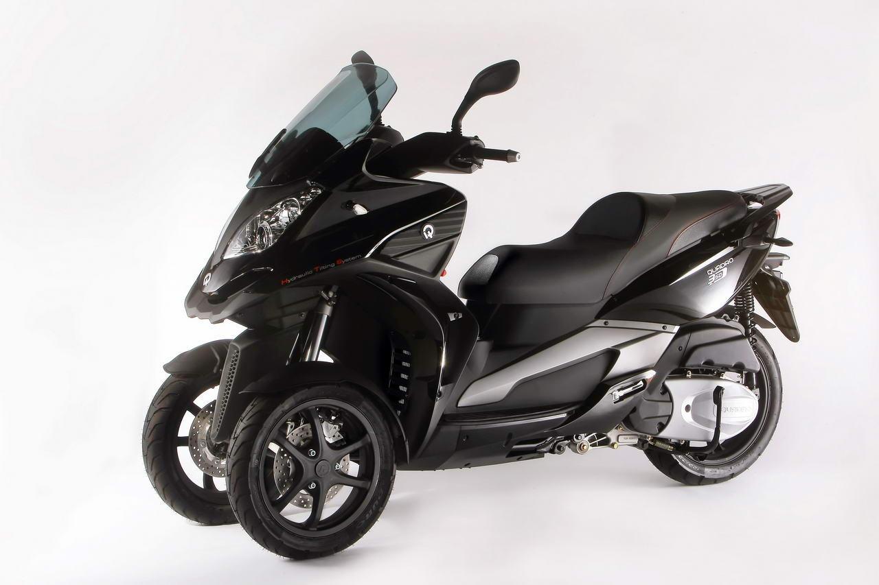 trois roues le match des scooters nantes auto moto. Black Bedroom Furniture Sets. Home Design Ideas