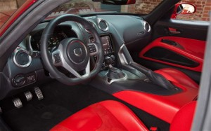 Dodge Viper 2013 intérieur