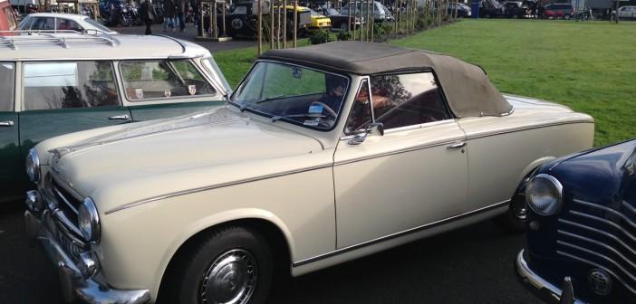 Peugeot 403 beige profil