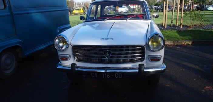 Peugeot 404 calandre