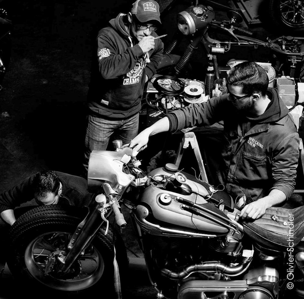 graffi bike concept et votre moto devient inimitable auto moto magazine. Black Bedroom Furniture Sets. Home Design Ideas