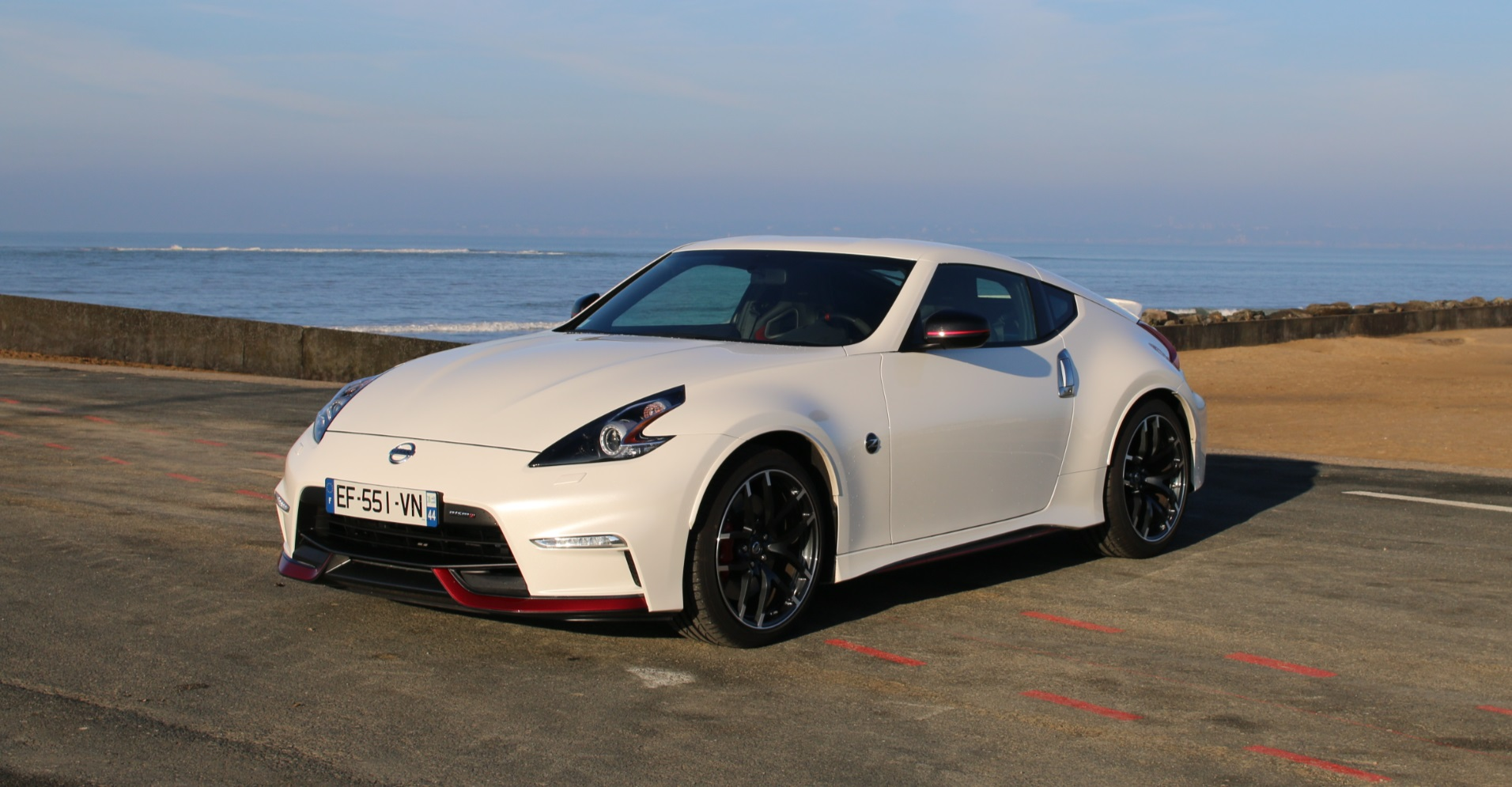 nissan 370z nismo un coup sport la sauce wasabi auto moto magazine. Black Bedroom Furniture Sets. Home Design Ideas