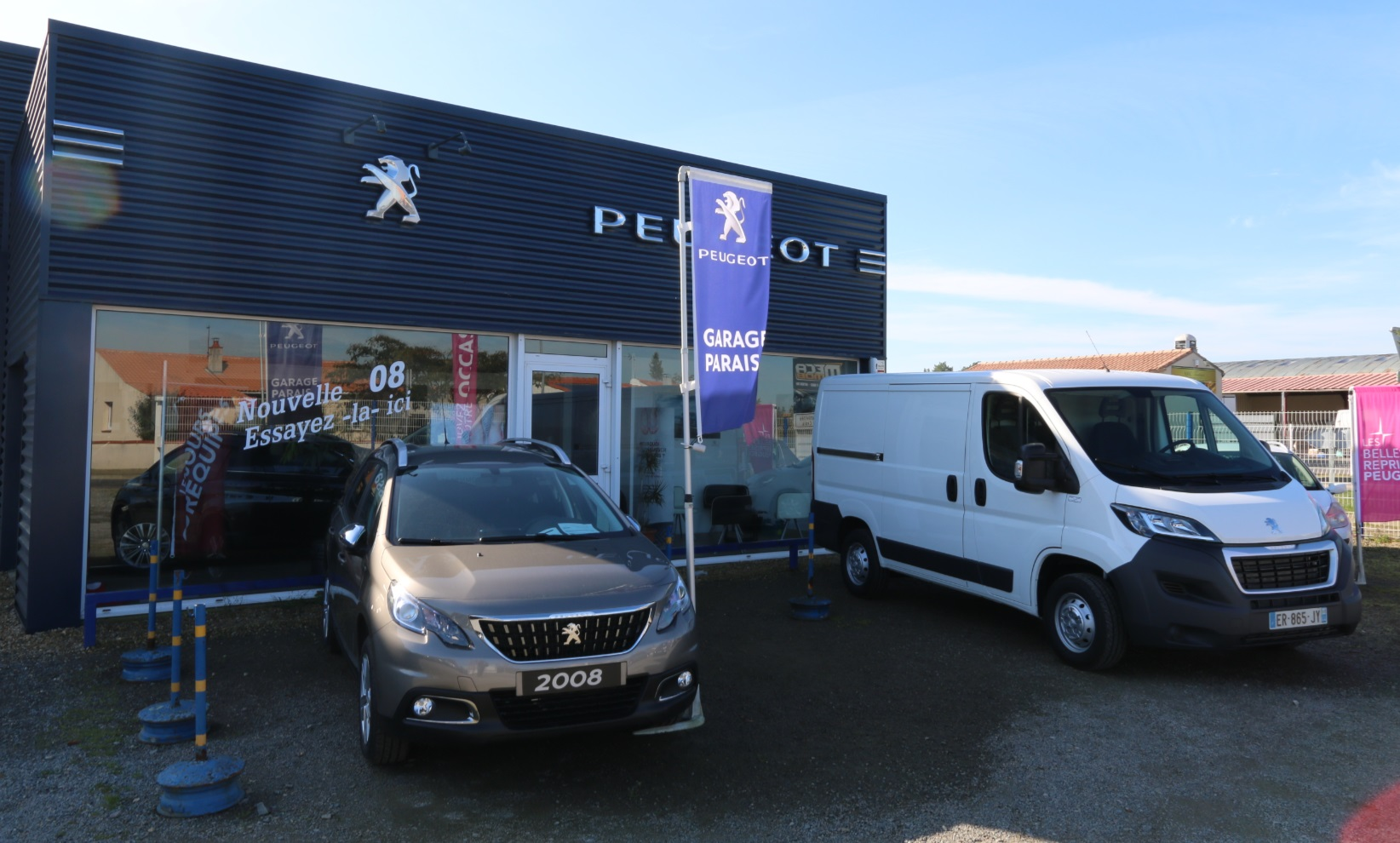 Garage peugeot parais proximit comp tences et services for Garage peugeot chartres
