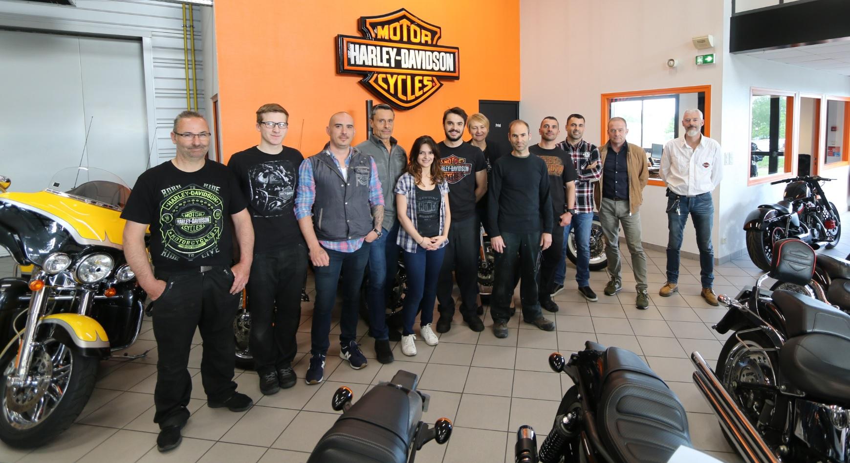 harley davidson une nouvelle histoire inventer ensemble auto moto magazine. Black Bedroom Furniture Sets. Home Design Ideas