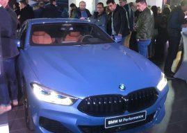 BMW en tenue de soirée