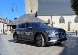 À Blois, Laure Régina s'est installée au volant de l'Audi e-tron 55 Quattro