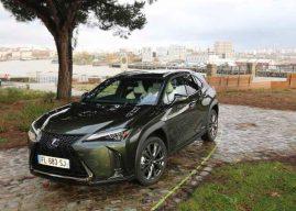Le Lexus UX 250h à l'essai à Nantes