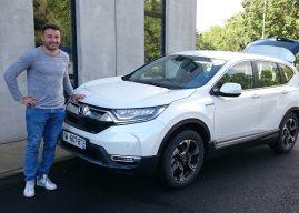 À La Rochelle, Jérémy Sinzelle au volant du Honda CR-V hybride