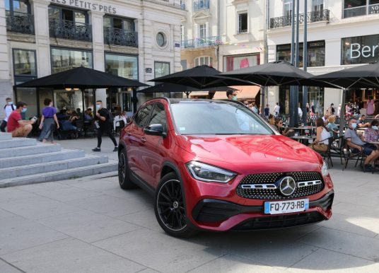 Samuel Albert essaie le Mercedes-Benz GLA à Angers