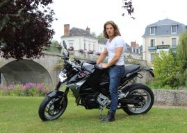 Charly Colin au guidon de la BMW F 900 R
