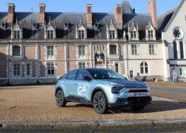 À Blois, Arnaud Micielski au volant de la Citroën ë-C4