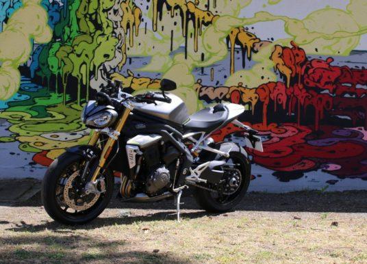 Triumph Speed Triple 1200 RS La révolution trois cylindres